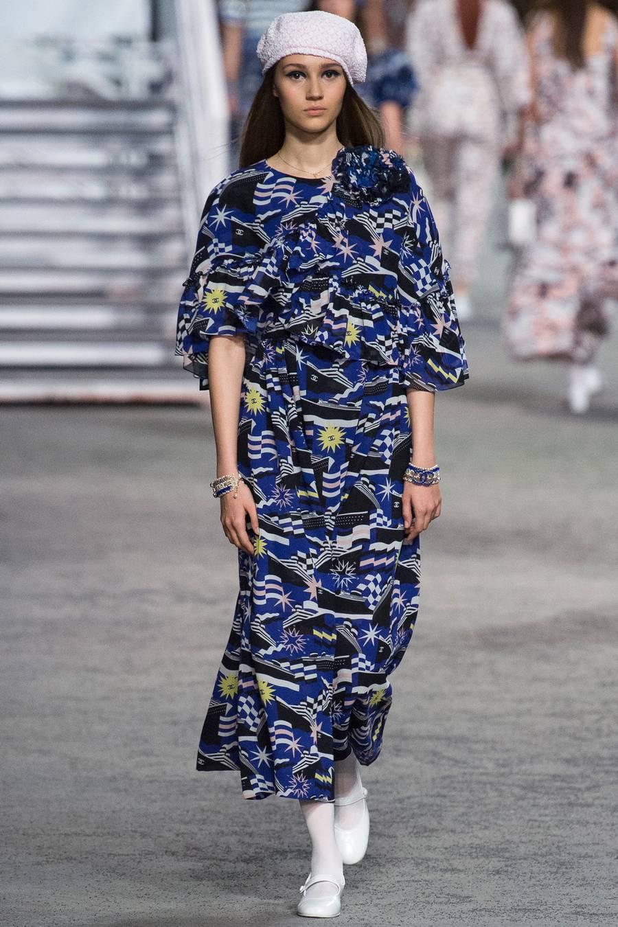 Круизная коллекция Chanel, весна-лето 2019 выход 83