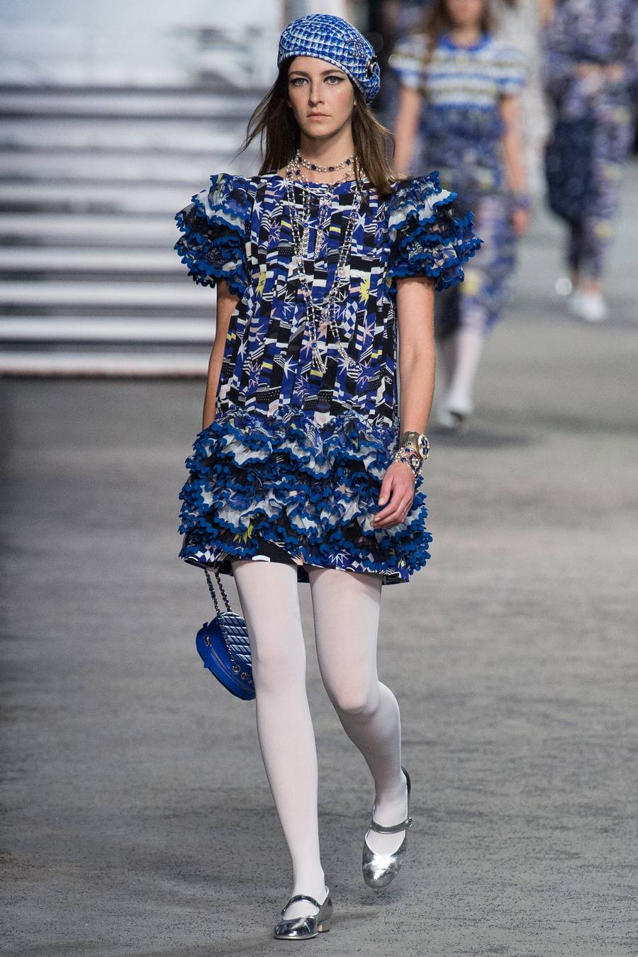 Круизная коллекция Chanel, весна-лето 2019 выход 85