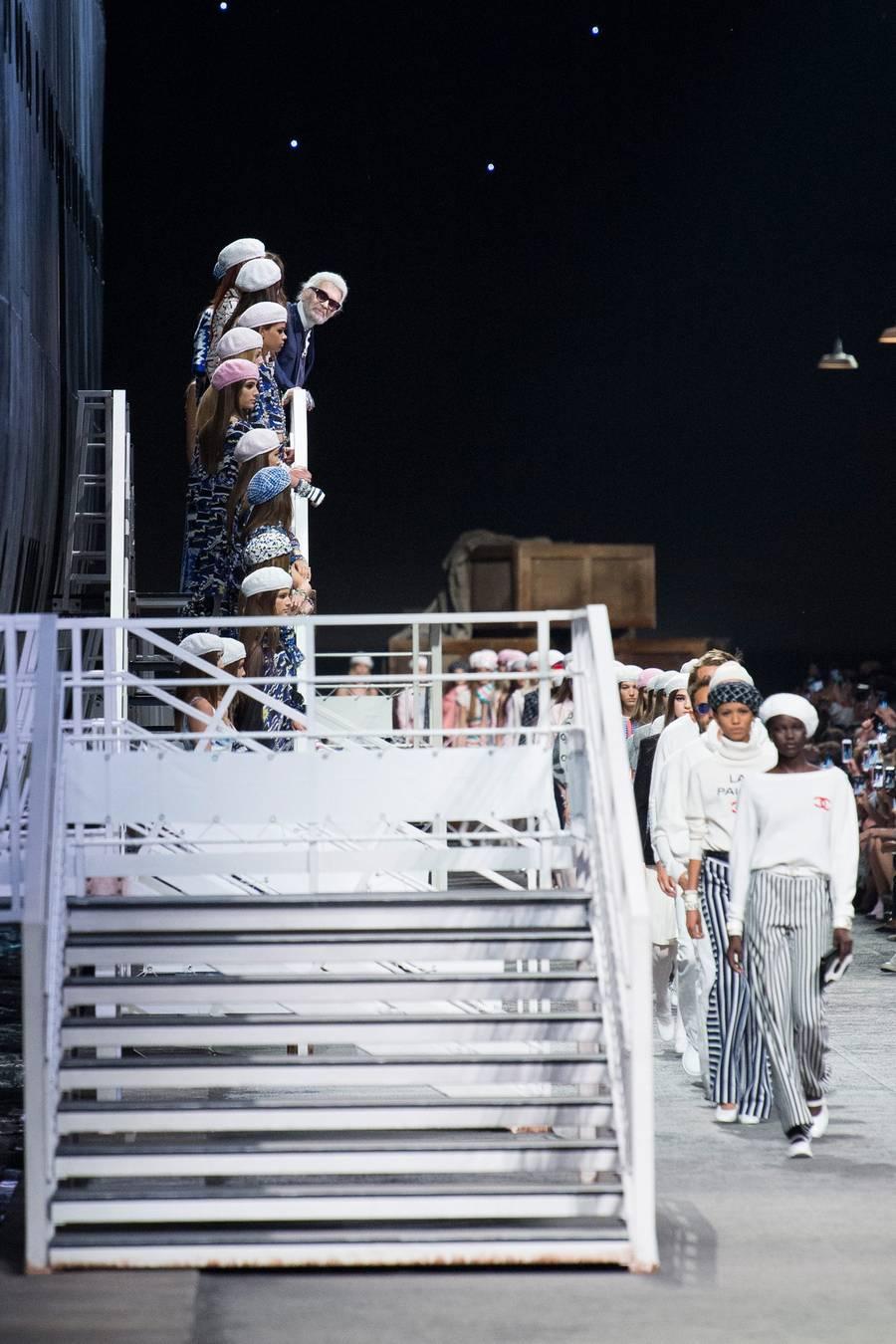 Круизная коллекция Chanel, весна-лето 2019 выход 89