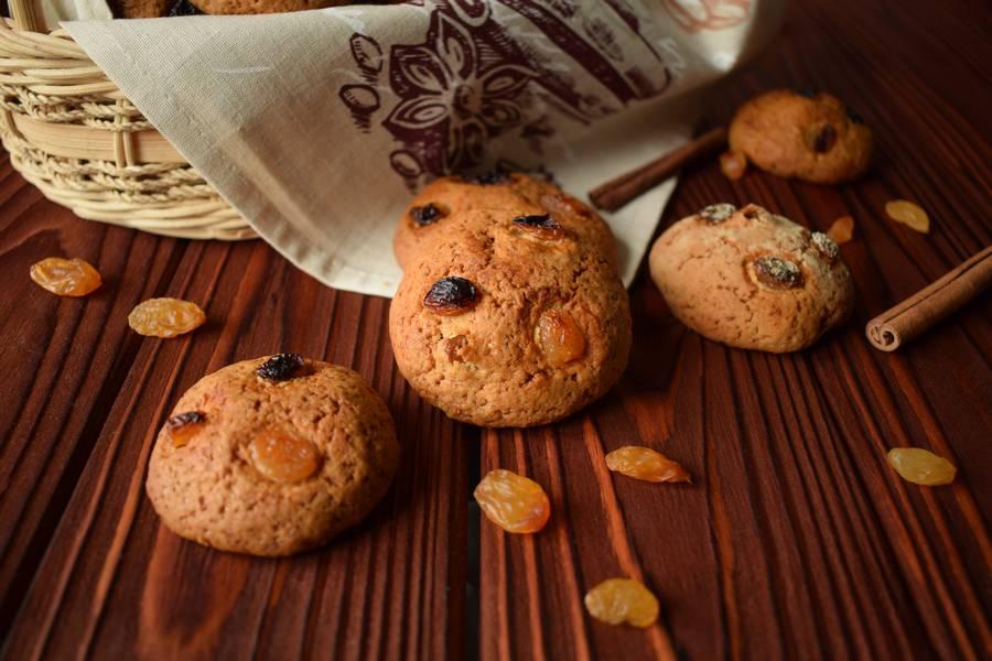 Овсяное печенье с изюмом