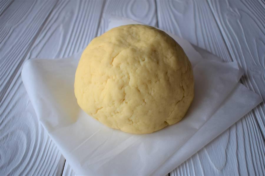 Приготовление орехово-медового печенья шаг 1