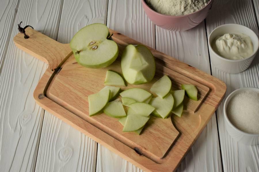 Приготовление открытых песочных яблочных пирожков шаг 1