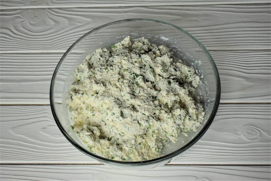 Приготовление пряных сырников шаг 4