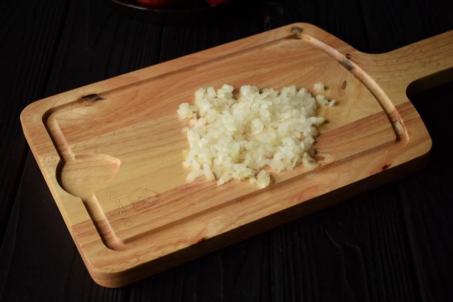Приготовление салата с тунцом и булгуром шаг 1