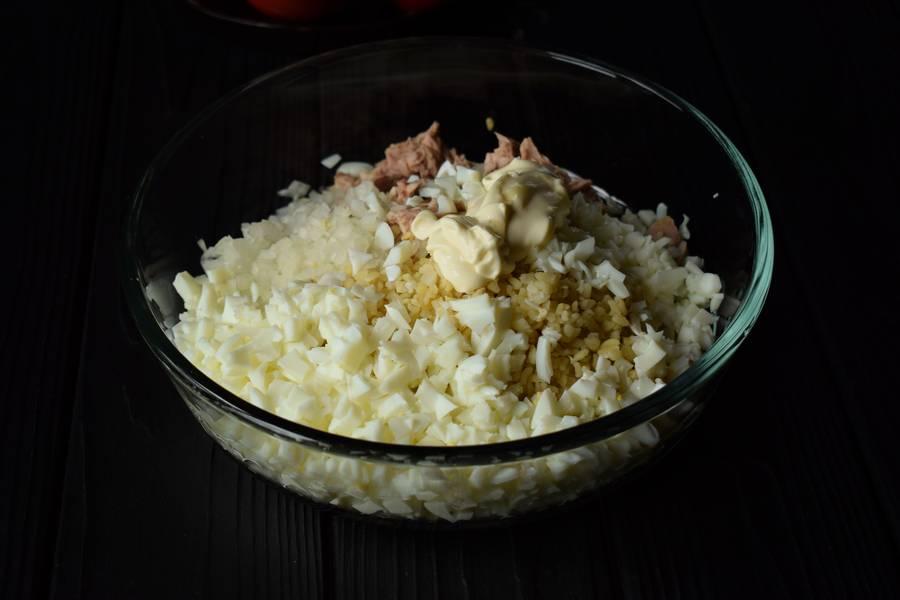 Приготовление салата с тунцом и булгуром шаг 3