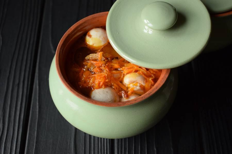 Приготовление в горшочках телятины с картофелем и грибами шаг 12