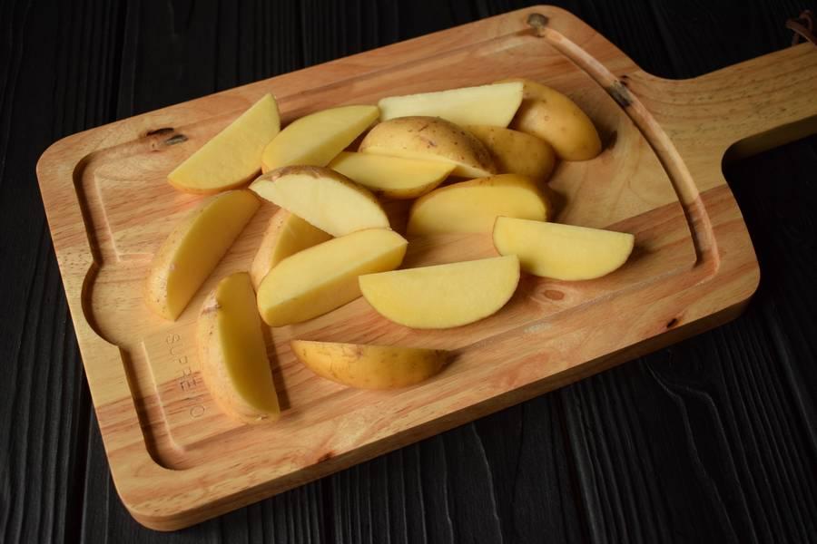 Приготовление в горшочках телятины с картофелем и грибами шаг 2