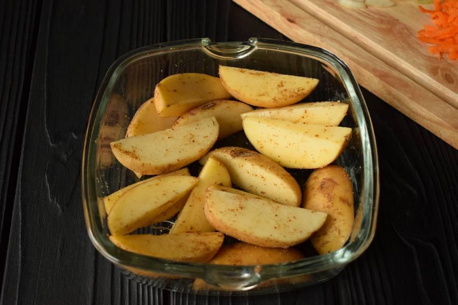 Приготовление в горшочках телятины с картофелем и грибами шаг 4