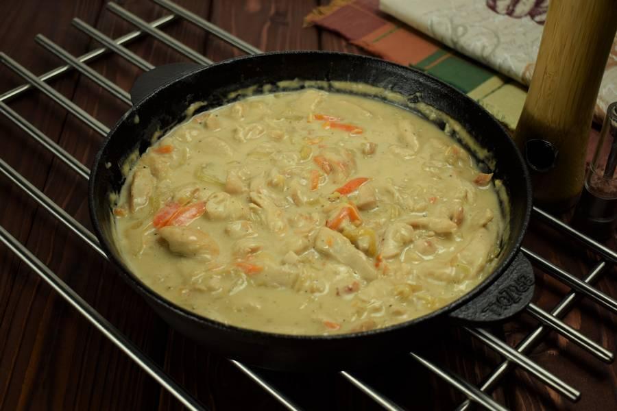 Приготовление в сметанном соусе куриной грудки с болгарским перцем шаг 9