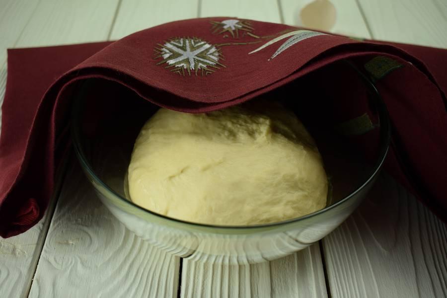 Приготовление жареных пирожков с зеленым луком и яйцом шаг 6
