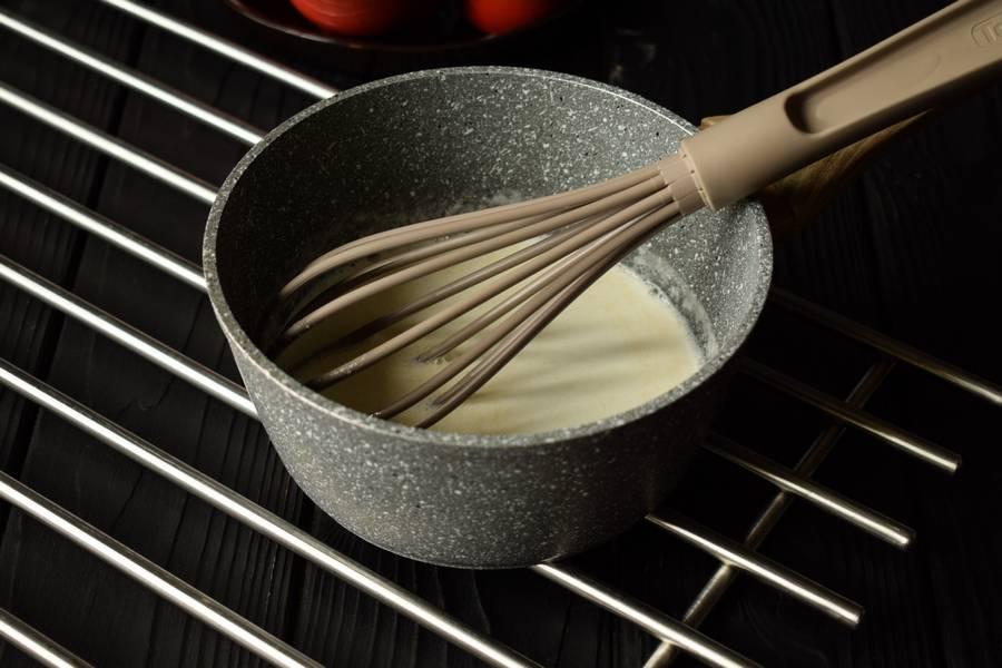 Приготовление жульена из курицы и грибов шаг 2