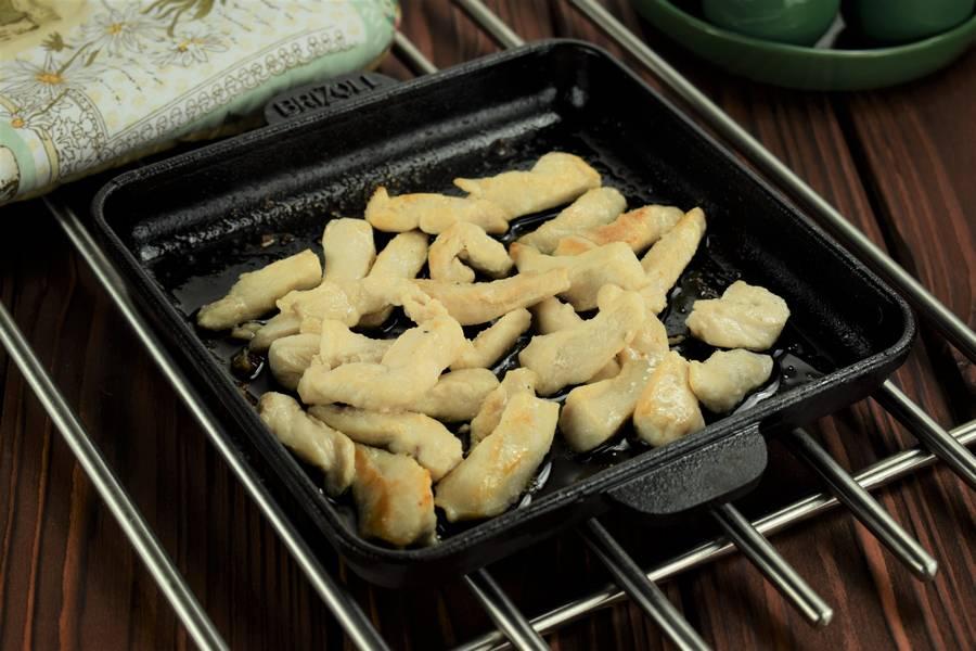 Приготовление жульена из курицы с болгарским перцем шаг 3