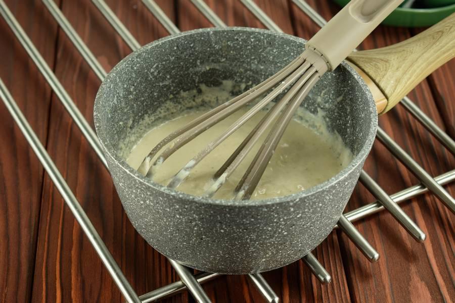 Приготовление жульена из курицы с болгарским перцем шаг 7