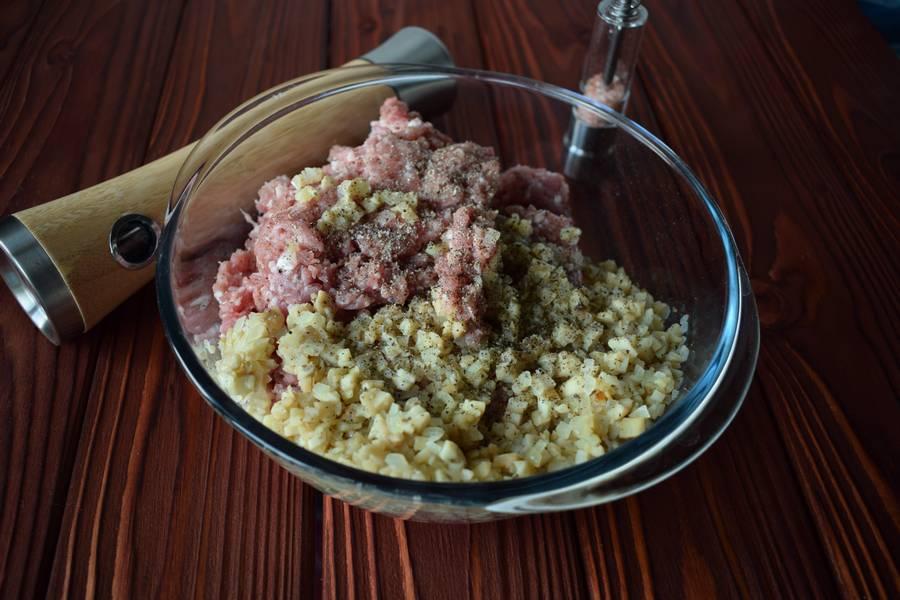 Приготовление фаршированных перцев с мясом и шампиньонами шаг 4