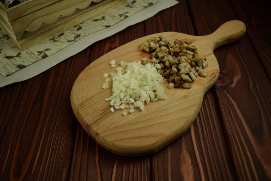 Приготовление картофельных зраз с грибами шаг 1