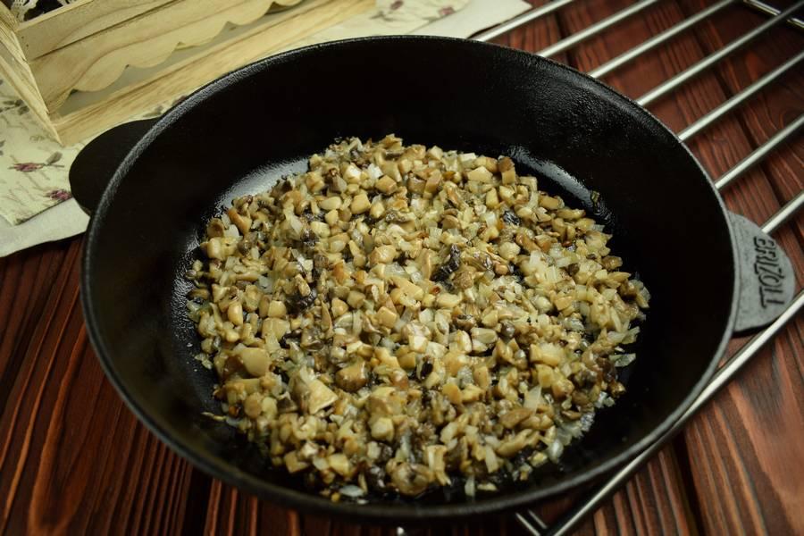 Приготовление картофельных зраз с грибами шаг 2