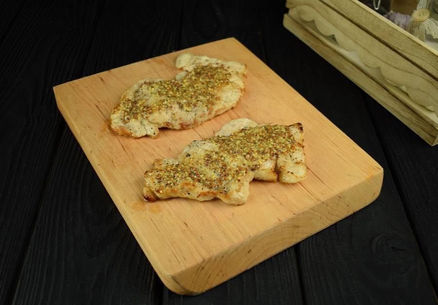 Приготовление свиной корейки с грибами и дижонской горчицей шаг 3