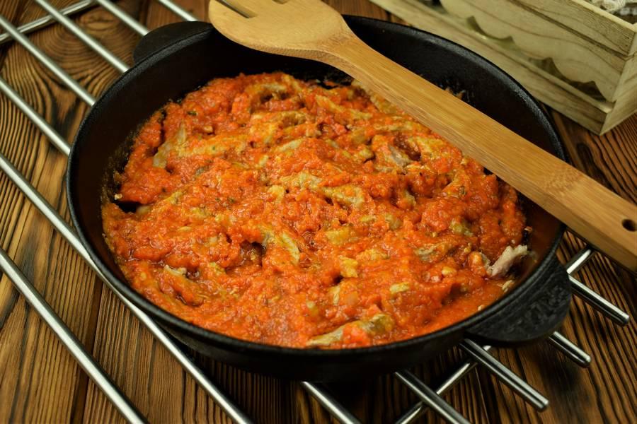 Приготовление свиной поджарки в томатном соусе шаг 11