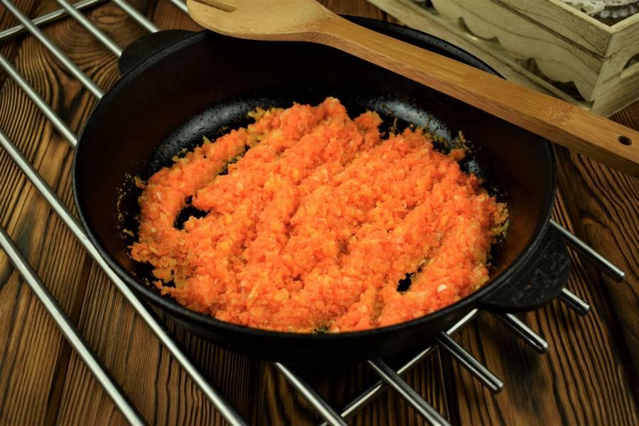 Приготовление свиной поджарки в томатном соусе шаг 4