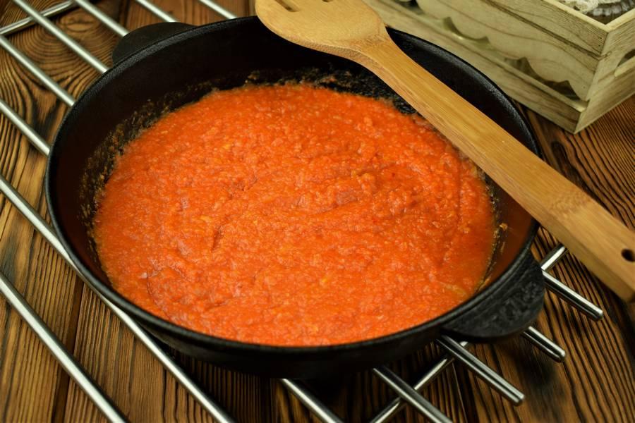 Приготовление свиной поджарки в томатном соусе шаг 7