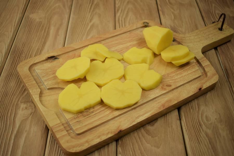 Приготовление в сметанном соусе жаркого из курицы с картошкой шаг 1