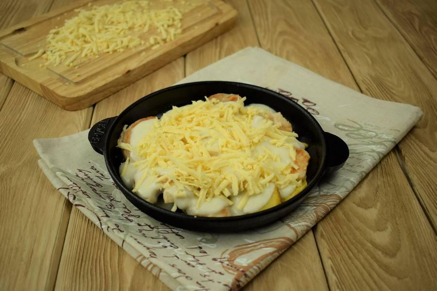 Приготовление в сметанном соусе жаркого из курицы с картошкой шаг 9