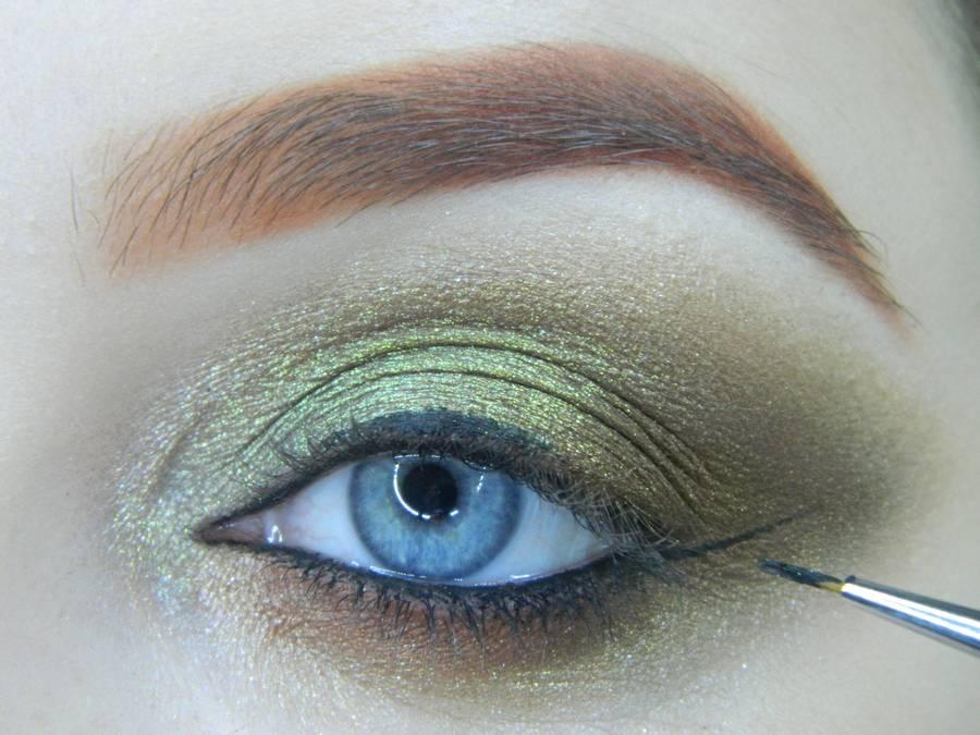 Выполнение золотисто-зеленого смоки на бирюзовой подложке шаг 13