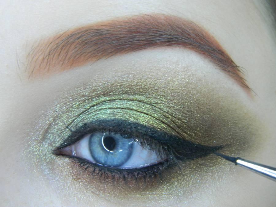 Выполнение золотисто-зеленого смоки на бирюзовой подложке шаг 14