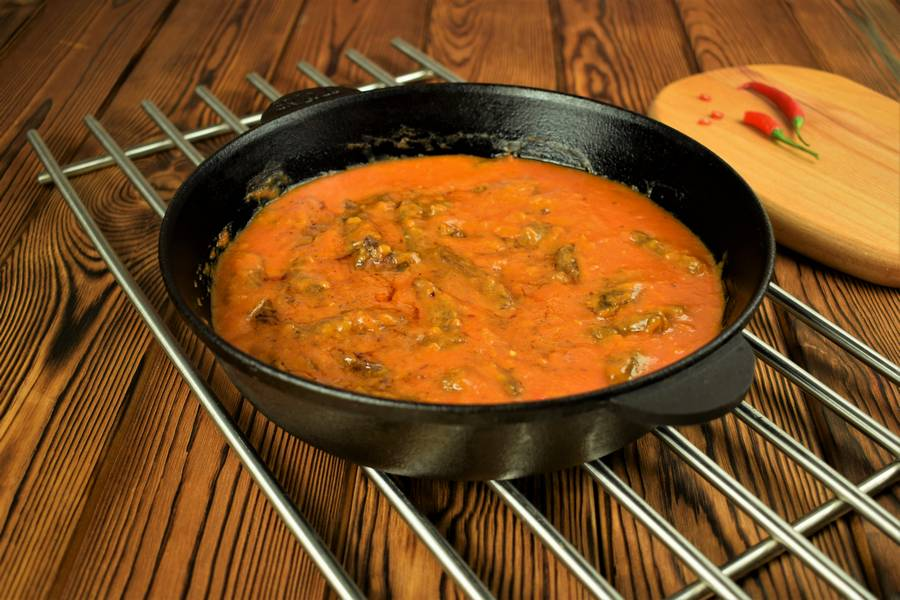 Приготовление говядины в томатном соусе шаг 7