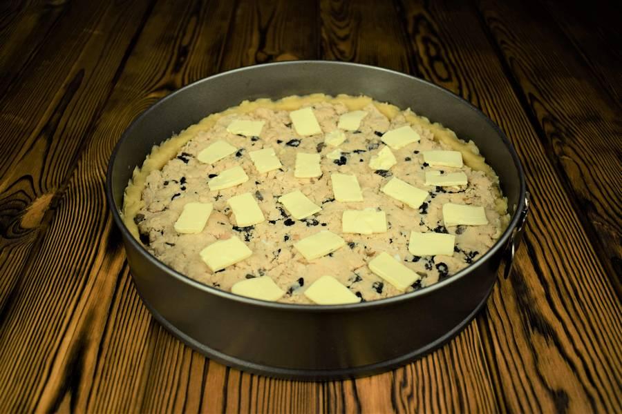 Приготовление песочного пирога с курицей и грибами шаг 9