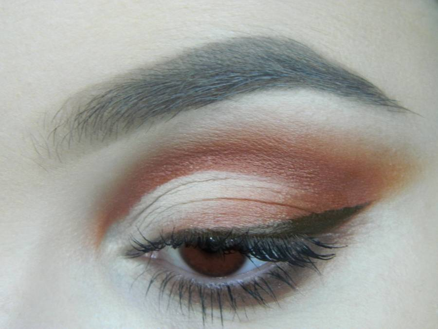 Яркий макияж для карих глаз