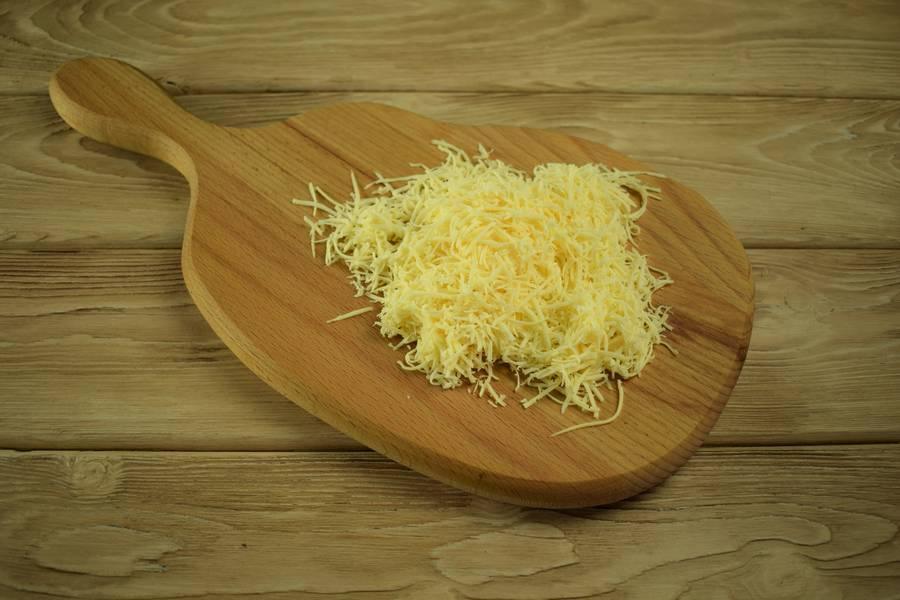 Приготовление рисовой запеканки с яйцом и сыром шаг 1