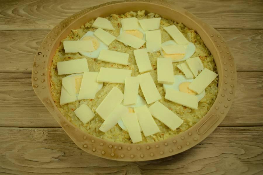 Приготовление рисовой запеканки с яйцом и сыром шаг 6