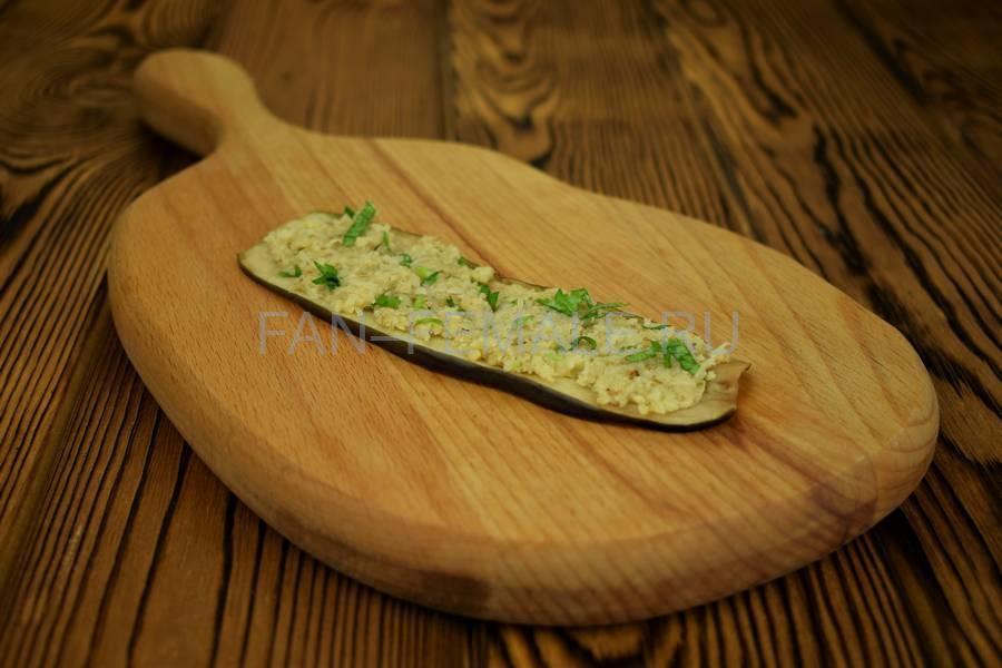 Приготовление из баклажанов рулетов с сыром, чесноком и грецким орехом шаг 8
