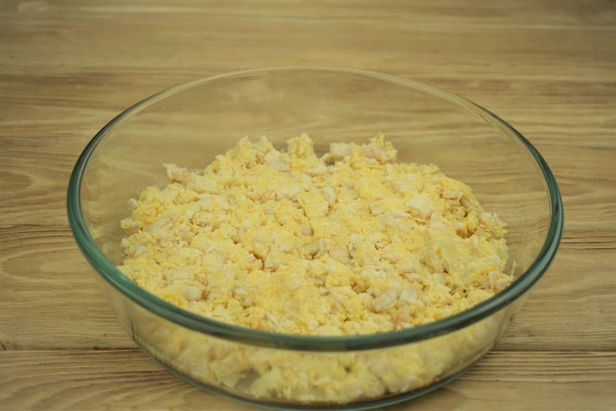 Приготовление картофеля, фаршированного курицей с сыром и чесноком шаг 10
