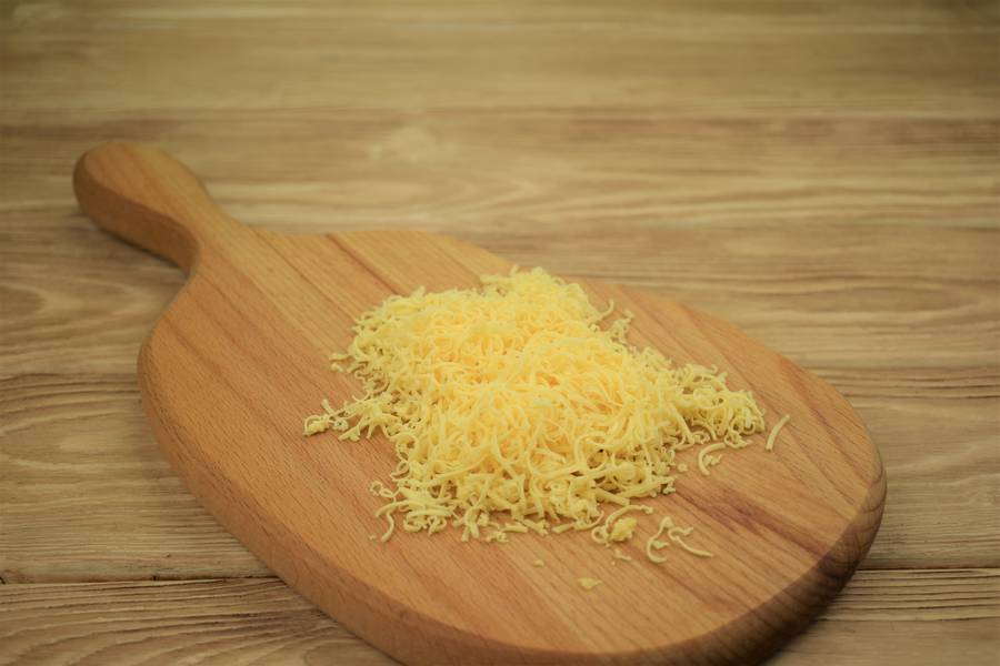 Приготовление картофеля, фаршированного курицей с сыром и чесноком шаг 6