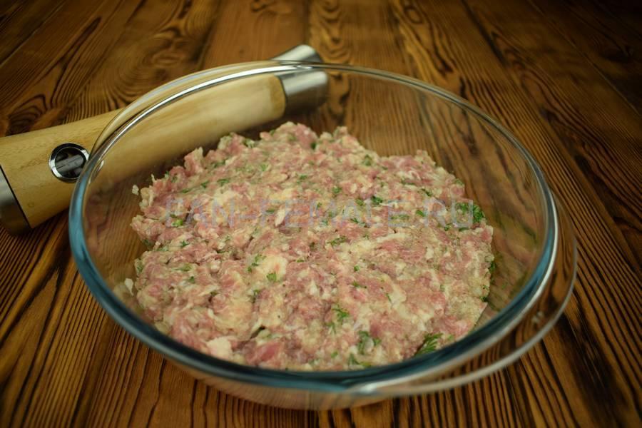 Приготовление мясного пирога с большим количеством начинки шаг 10