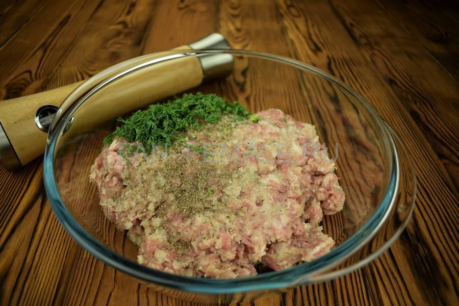 Приготовление мясного пирога с большим количеством начинки шаг 9