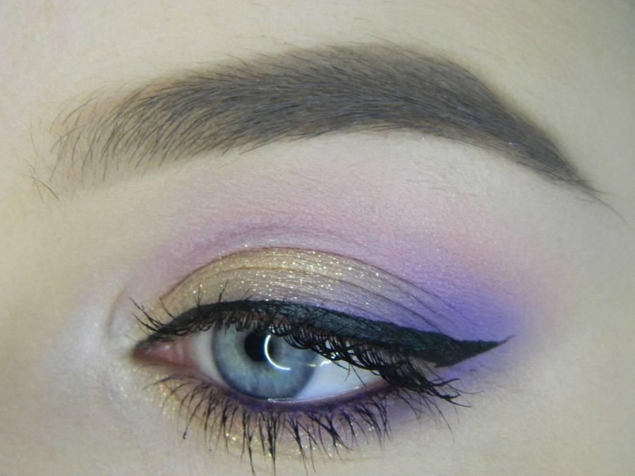 Универсальный цветной макияж глаз