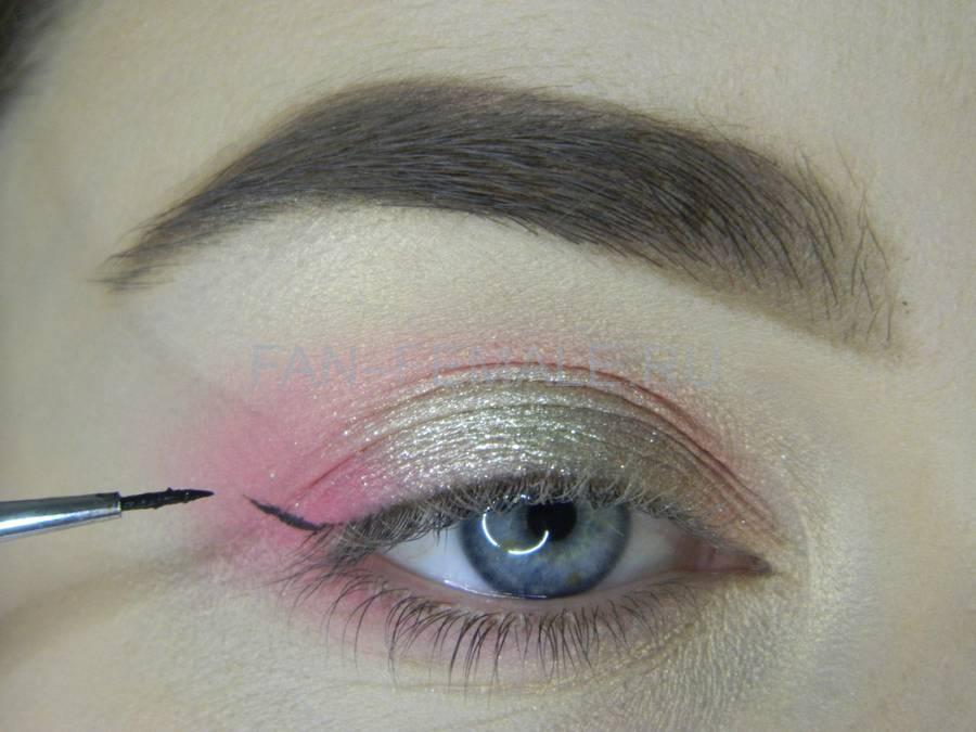 Выполнение легкого макияжа с розовым акцентом шаг 8