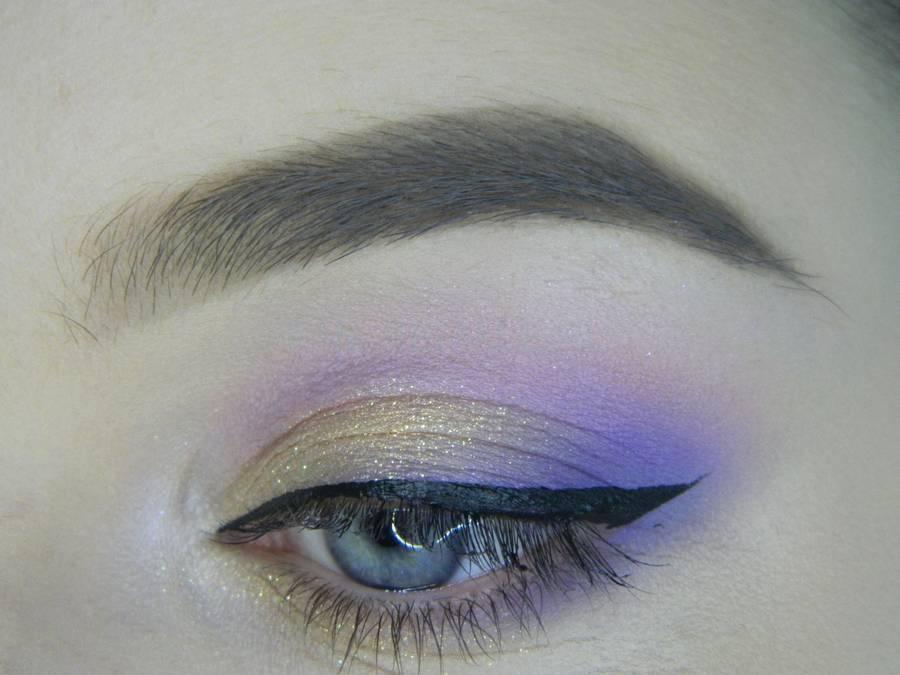 Выполнение универсального цветного макияжа глаз шаг 10