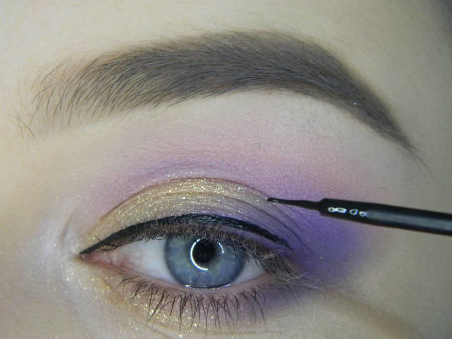 Выполнение универсального цветного макияжа глаз шаг 8
