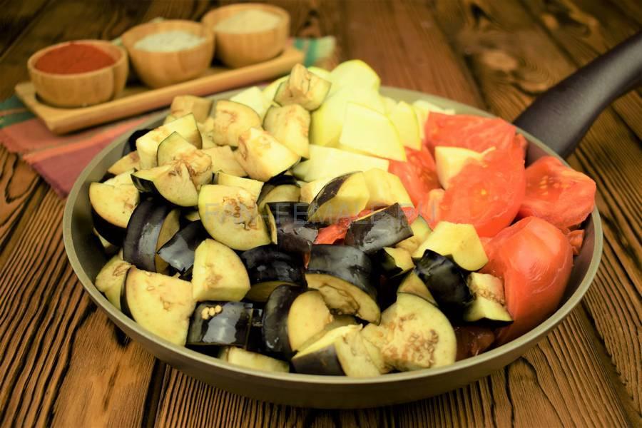 Приготовление овощного острого соуса шаг 4