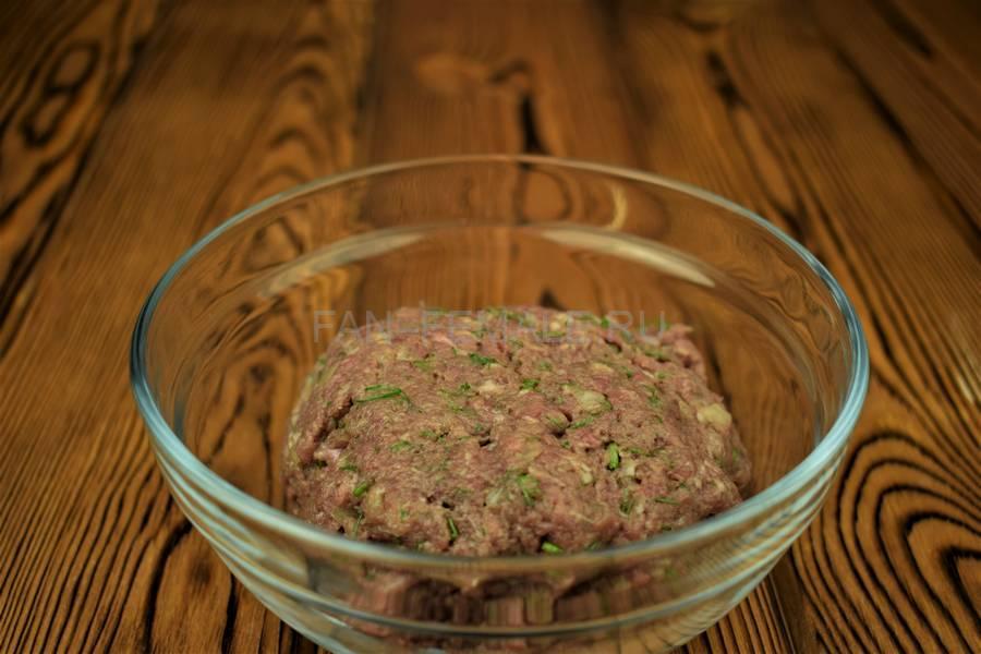 Приготовление мясной кулебяки шаг 9