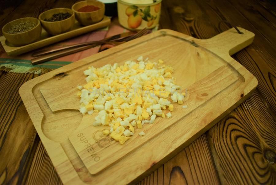 Приготовление рулета из индейки с яйцом шаг 1
