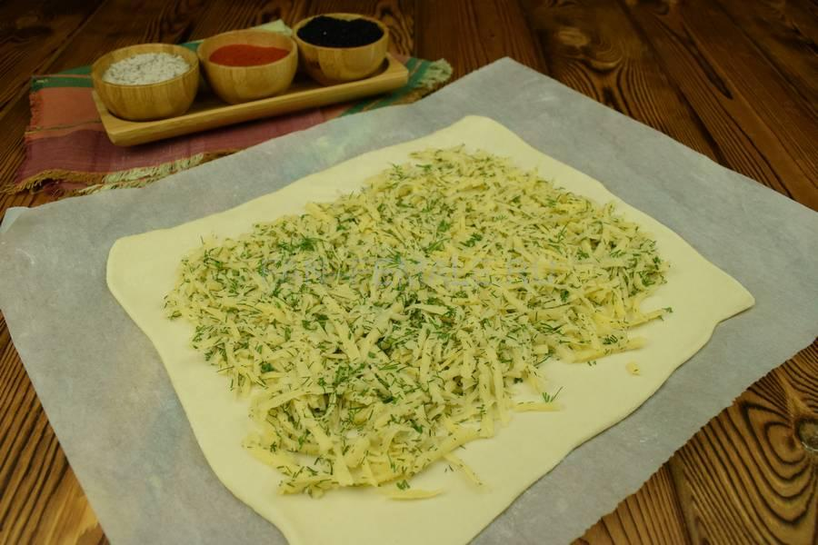 Приготовление свинины, запеченной с сыром в слоеном тесте шаг 5