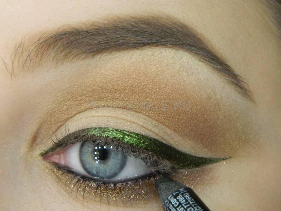 Выполнение базового макияжа с изумрудной стрелкой шаг 10