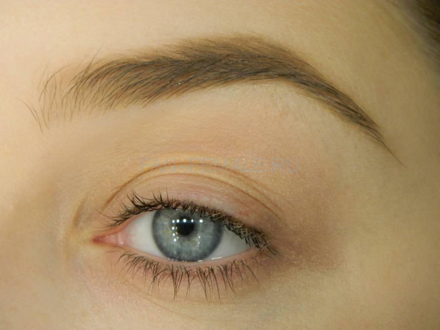 Выполнение зеленого смоки для светлых глаз шаг 1