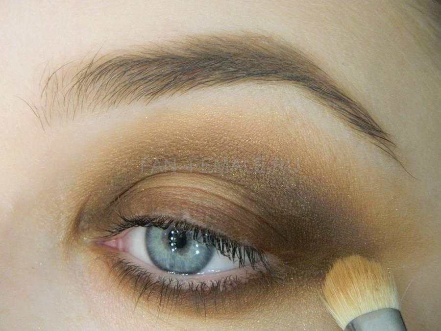 Выполнение зеленого смоки для светлых глаз шаг 10