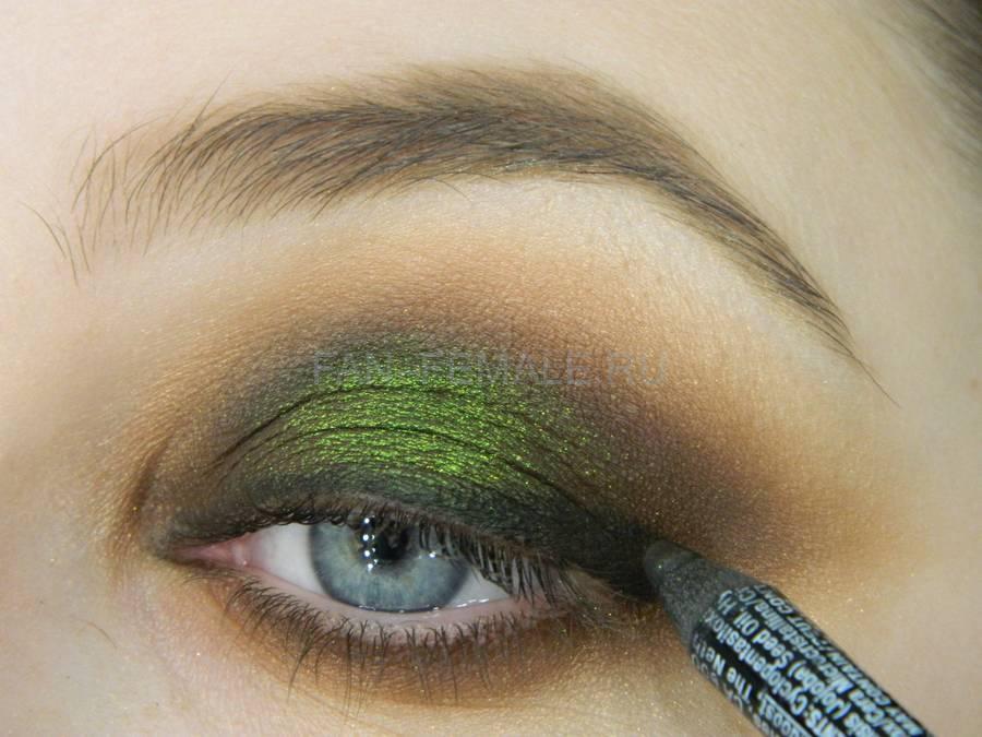 Выполнение зеленого смоки для светлых глаз шаг 14